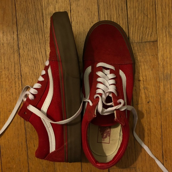 29a28c79f0 Red Old Skool w  Gum Sole. M 5ad1883ecaab44b52d7f044a